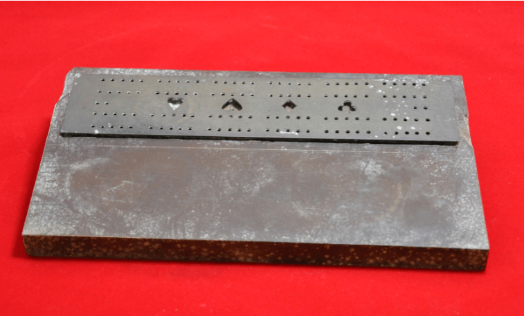 sailor's cribbage board